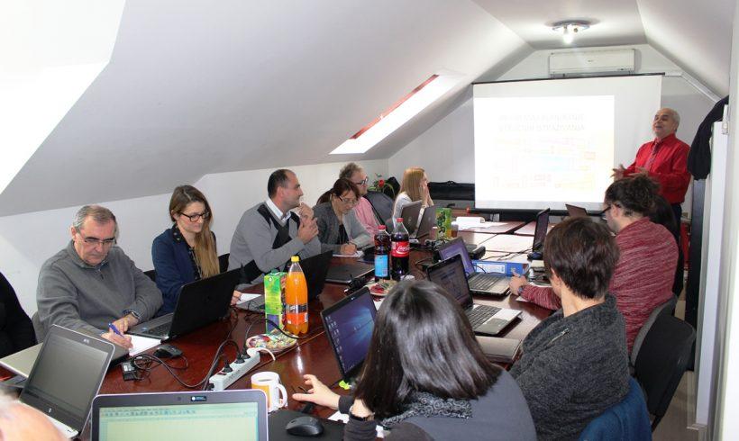 CRP zaposlenici na treningu iz oblasti prikupljanja, obrade i analize podataka