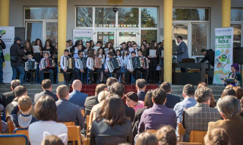 """Svečano otvorena nova """"Pametna škola"""" u TK"""